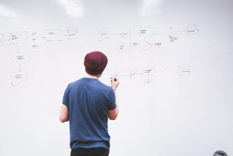 L'impact de la centralisation des connaissances sur la formation des nouveaux arrivants